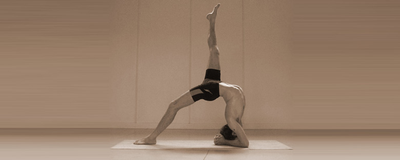 Sarath Jois, India, Mysore, Ujjayi, Luke Jordan, Workshop, mysore week, backbends, yogashala, Yoga Shala, Trenčín, Mierové námestie, Ashtanga joga, yoga,
